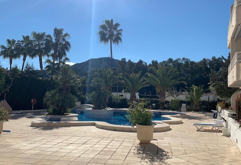 Sunny apartment in Albir el Point, L'Alfas del Pi, Overnatningsstedets område
