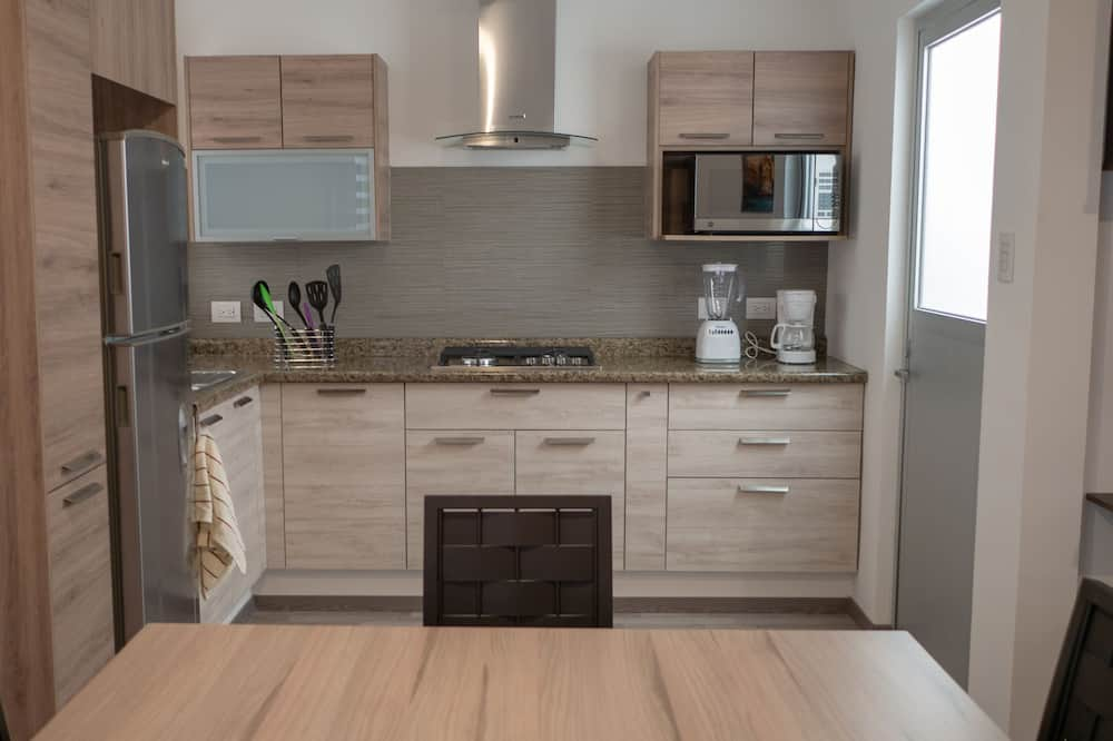 Executive Apartment, 2 Double Beds - In-Room Dining