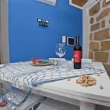 Darījumklases dzīvokļnumurs, divas guļamistabas, skats uz jūru - Numura ēdamzona