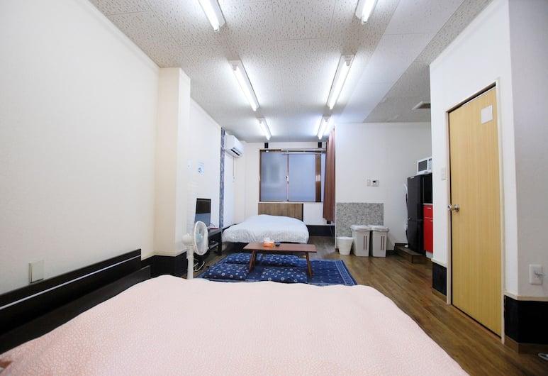 East Shinagawa Apartment, Tokyo, Studio, Room