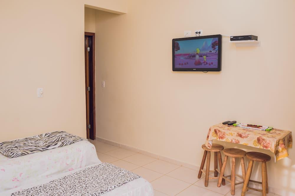 Habitación cuádruple estándar, Varias camas, para no fumadores, vista al jardín - Habitación decorada para niños