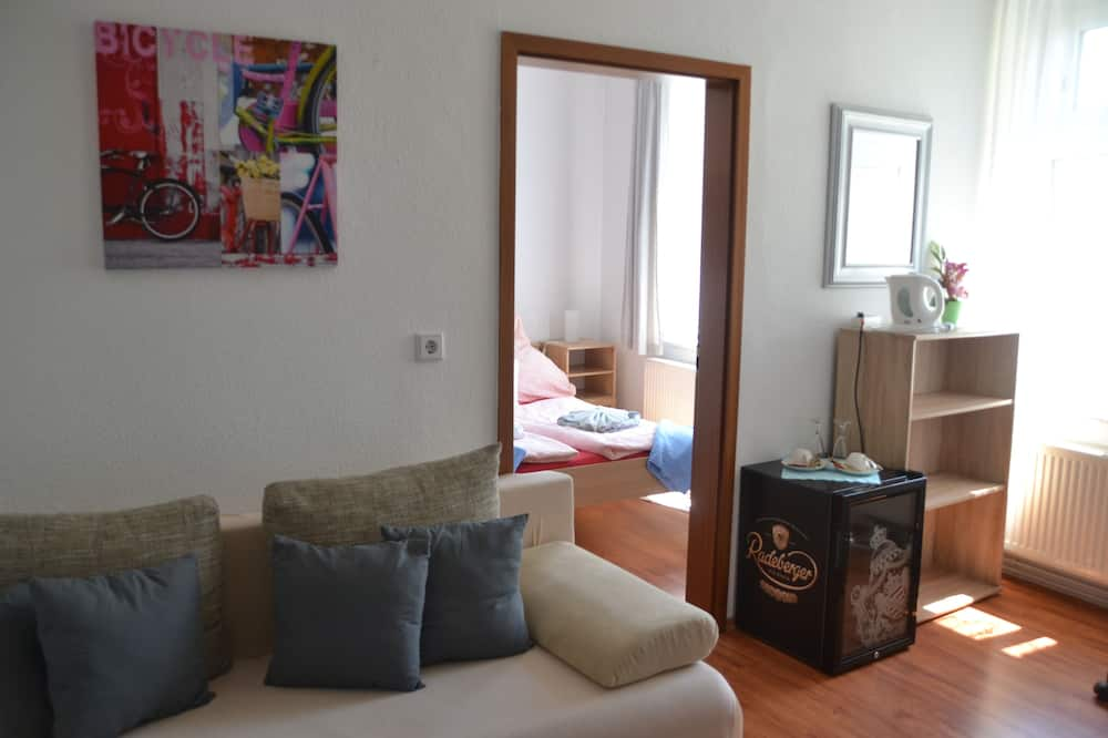 Classic Double Room, Shared Bathroom, Garden View - Guest Room