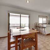 Family House, 2 Bedrooms - In-Room Dining