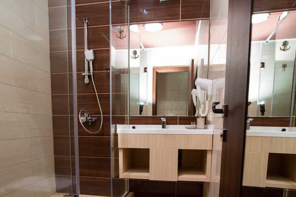 스탠다드 더블룸, 마당 전망 - 욕실