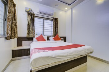 Picture of OYO 24125 Hotel Aakash in Pune
