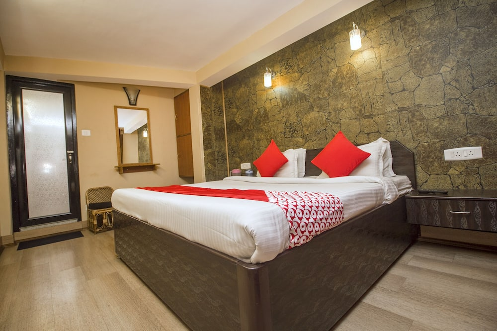 Deluxe Double or Twin Room, 1 King Bed - Guest Room