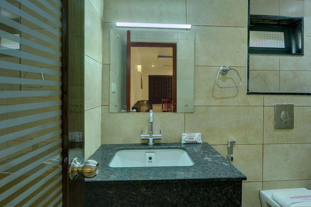 Deluxe Double or Twin Room, 1 Katil Raja (King) - Sink Bilik Mandi