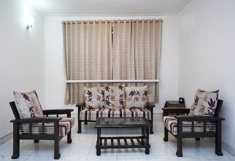 OYO 23239 10 Blossoms Service Apartments, Pune, Lobby Sitting Area