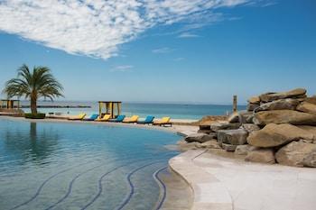 תמונה של Playa de La Paz Condominiums בלה פאס