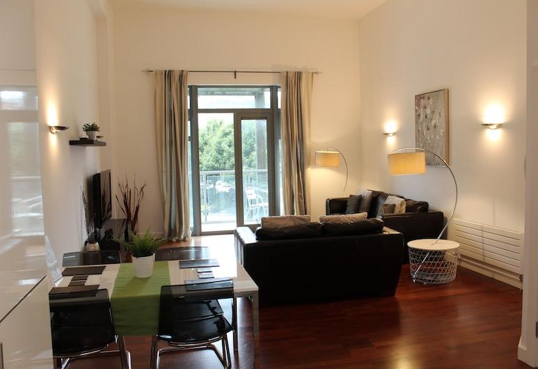 Week2Week Spacious City Centre Apartment with 2 En-suites, Newcastle-upon-Tyne, Departamento Confort (2 Double Beds or 1 Double/2 Twin Beds), Sala de estar