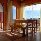 Традиційний будиночок, багатомісний номер, для некурців, з видом на пляж - Обіди в номері