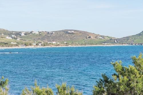 seashore Villa in Tinos Town