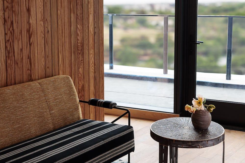 Номер-люкс, 1 спальня, з балконом, з краєвидом - Вітальня