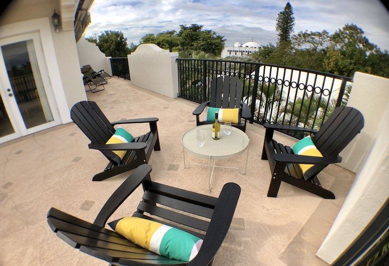 3BR Home wRooftop by Ideal Experience VR, Fort Lauderdale