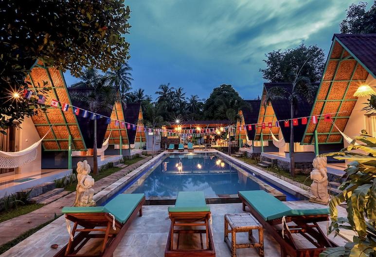 Makarma Resort Lombok, Senggigi, Sundlaug