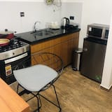 Deluxe Apartment, 1 Queen Bed, Non Smoking - Coffee/coffee maker