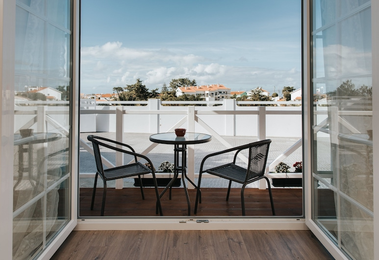 7SS - The Ultimate Beach House, Mafra, Deluxe Double or Twin Room, Non Smoking, Partial Sea View, Balcony