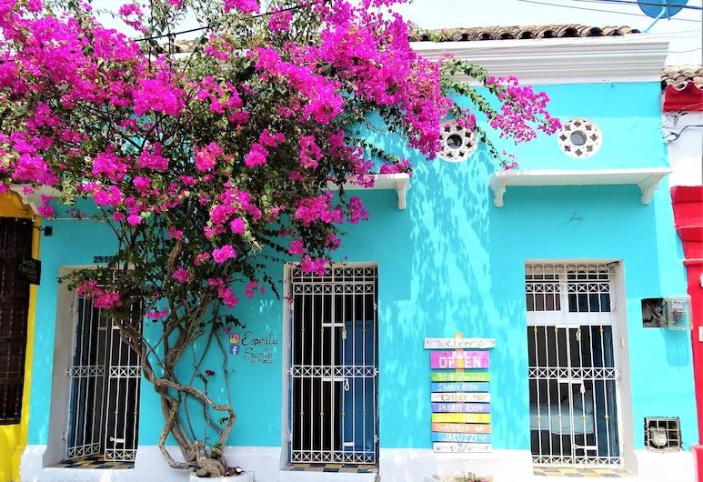 茅斯埃斯皮里圖桑托青年旅舍, 喀他基那