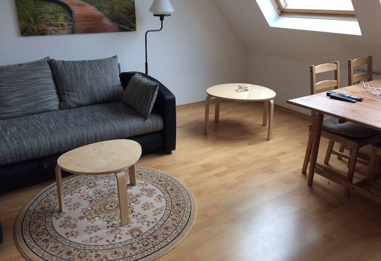 2 Zimmer Wohnung in Ludwigsburg Mitte, Ludwigsburg, Classic Apartment, 2 Bedrooms, Room