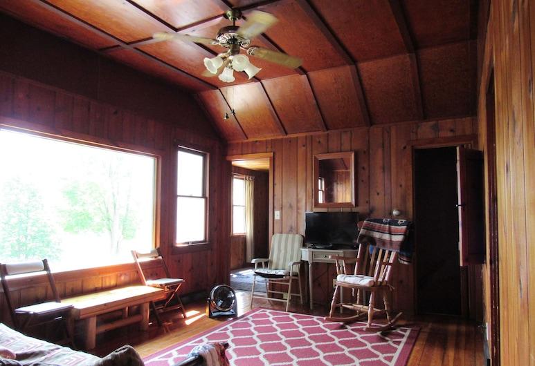 Cozy Lake House w/ Private Dock, ويست بيند, غرفة معيشة