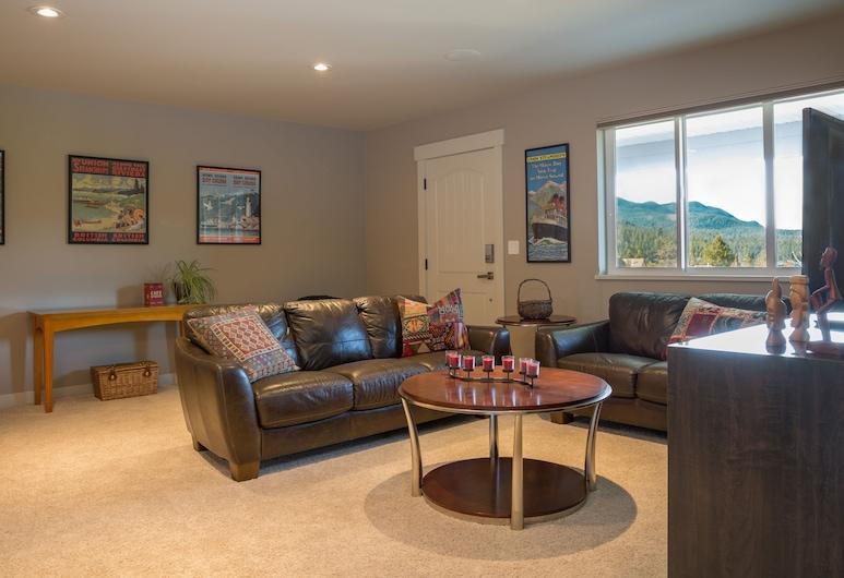 ¡Nuevo! Vistas Sechelt Inlet! 1 HAB. Suite privada en el área de West Porpoise Bay, Sechelt, Sala de estar