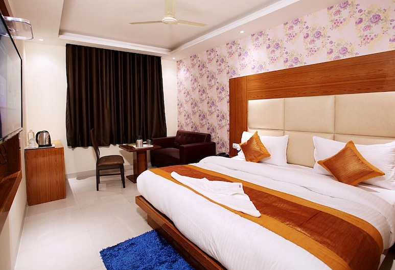 Hotel Smart Suites, New Delhi, Guest Room