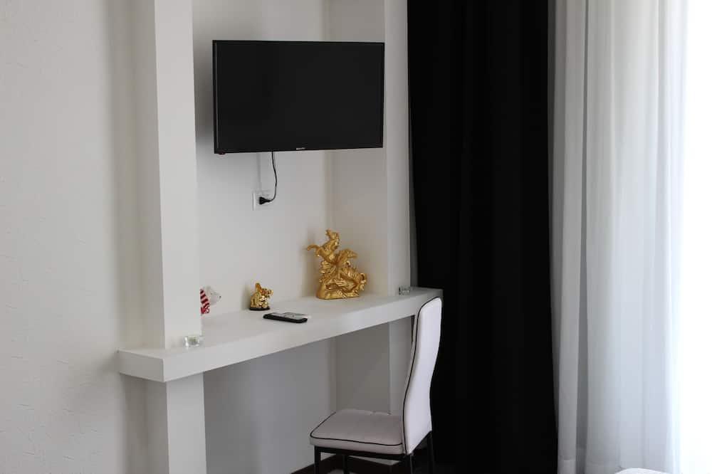 Comfort Triple Room, Non Smoking - Living Area