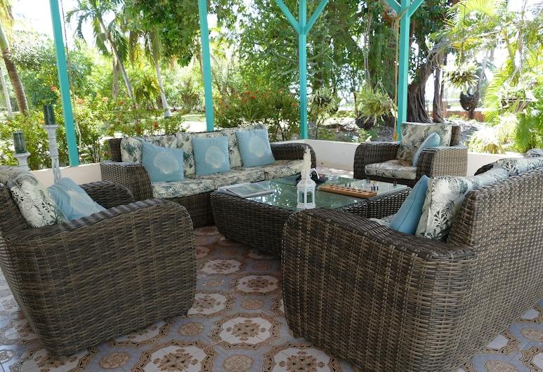 Miraflores Boutique Hotel, San Andres, Caribbean House Ocean Front, King Size Suite, Living Area