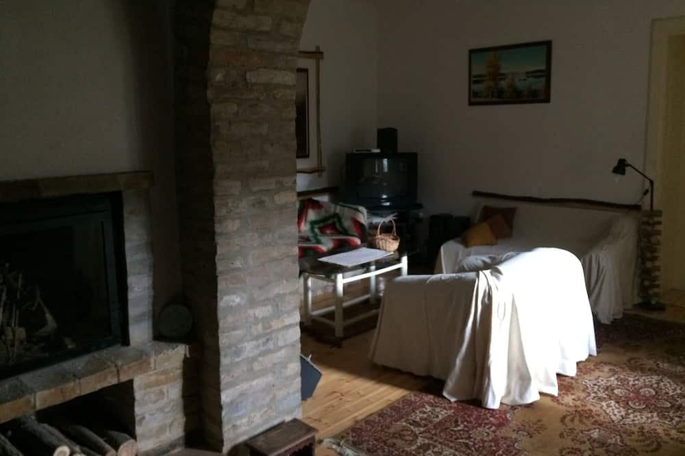 Apartmán, nefajčiarska izba, výhľad na záhradu - Obývacie priestory