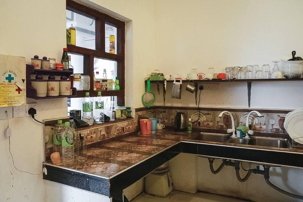 Двухместный номер «Делюкс» с 1 или 2 кроватями, 1 спальня, для некурящих, вид на сад - Общая кухня