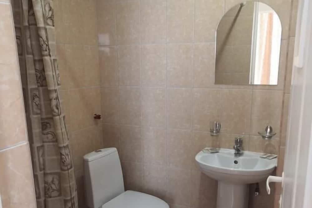 スタンダード トリプルルーム ベッド (複数台) - バスルームの設備