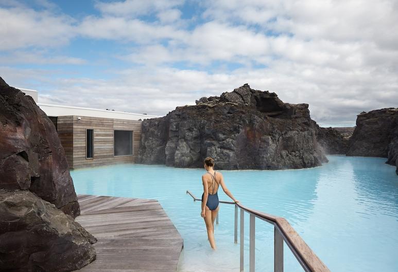 The Retreat at Blue Lagoon Iceland, Grindavik, สระว่ายน้ำธรรมชาติ