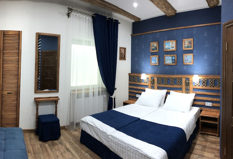 Lucky Ship. Art Hotel, Odessa, Comfort Double or Twin Room, Guest Room