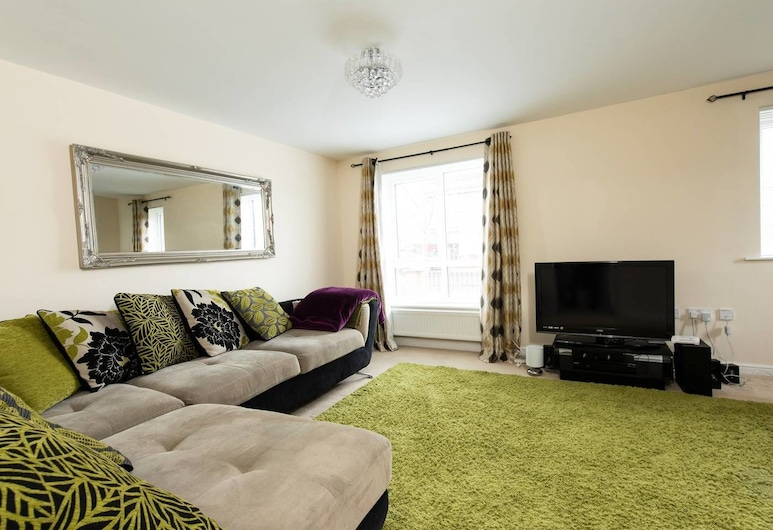 Superb Home With Free Parking - Man City Stadium, Manchester, Living Room