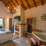 Luxury Suite, Jetted Tub - Private spa tub