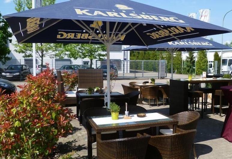 Hotel Neuzeit, Schwalbach, Terraza o patio