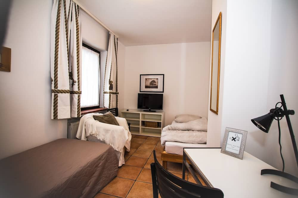 Budget Hostel Rooms - Shared Facilities - Bath & Kitchen - Номер