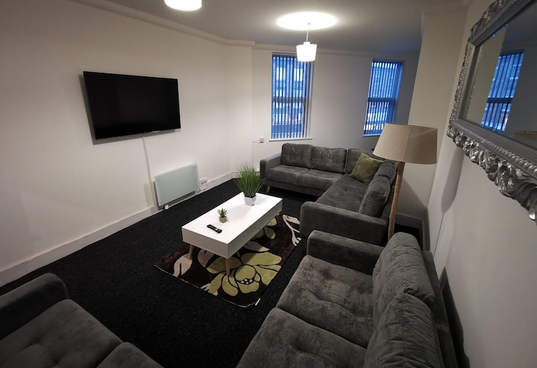 CR Apartments Anfield, Liverpool, Apartment, Private Bathroom (2 Bed Apartment Sleeps8), Lounge