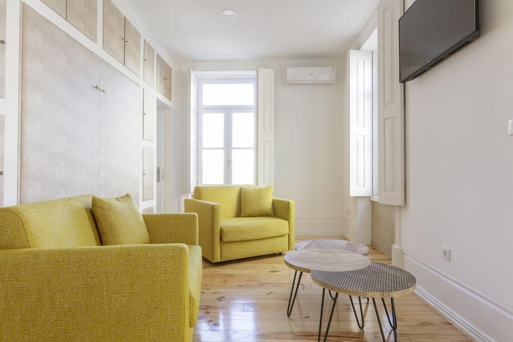 Apartment, 2 Bedrooms, Kitchen - Ruang Tamu