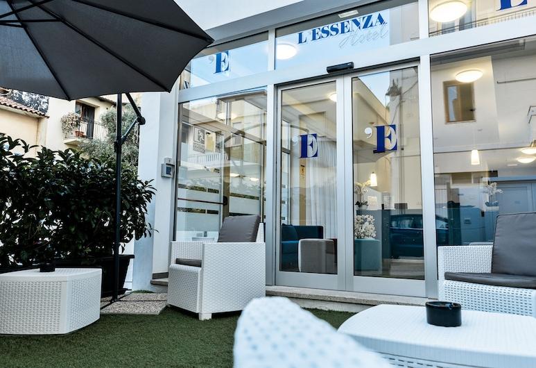Essenza Hotel, Olbia, Hotel Entrance