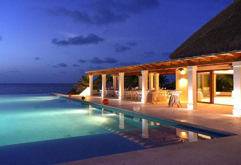 Pristine Bay Golf Club Upscale 2 Bed Villa W / Ocean View, Roatan, Havuz