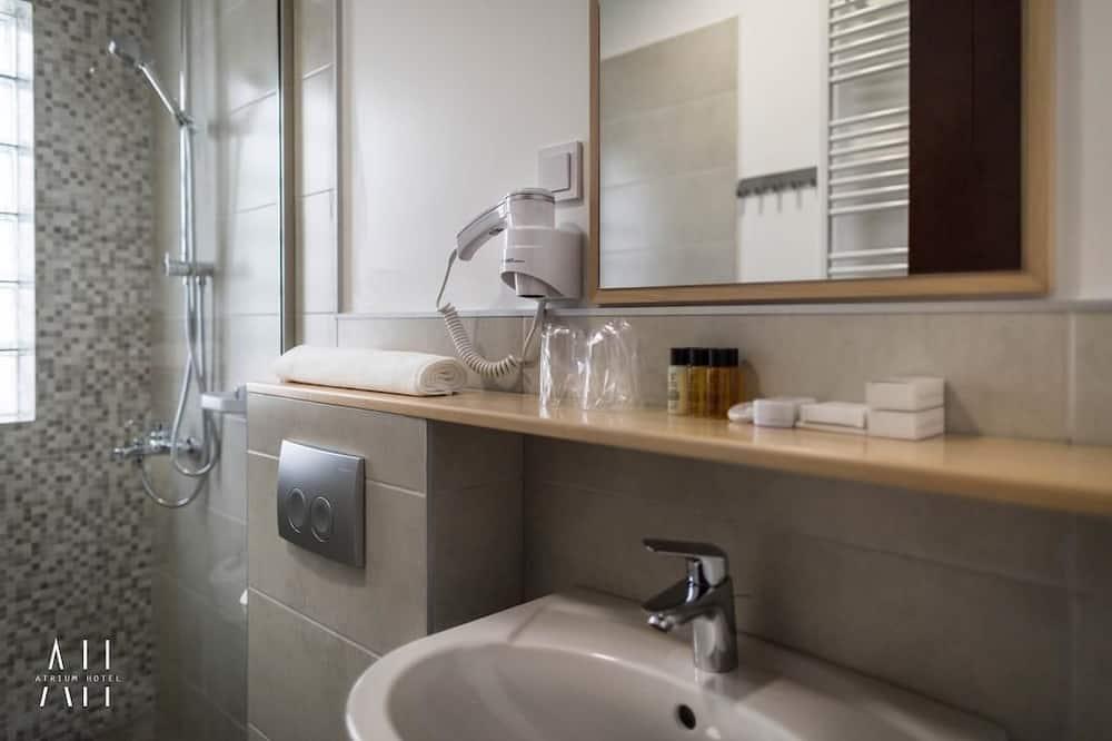 Comfort-huone, 2 yhden hengen sänkyä, Kaupunkinäköala - Kylpyhuone