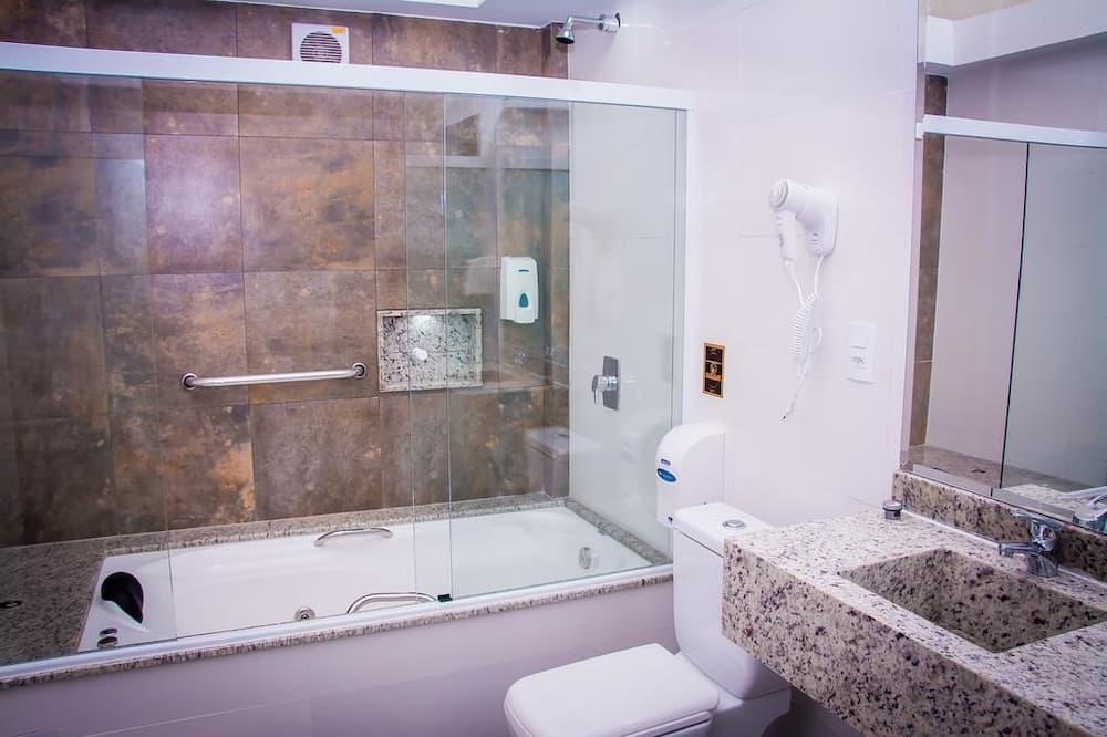 Prabangaus stiliaus vienvietis kambarys, 1 didelė dvigulė lova, Nerūkantiesiems - Atskira masažinė vonia