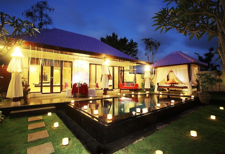 Amazing Honeymoon Villa in Kuta, كوتا, حمام سباحة