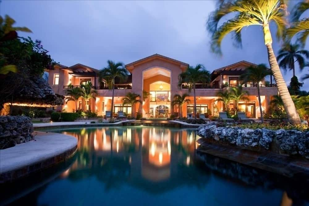 Beachfront Villa Known for its Wedding Venue and Services