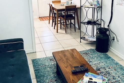 アメニティ付きの美しいウォーターフロントアパートメント/