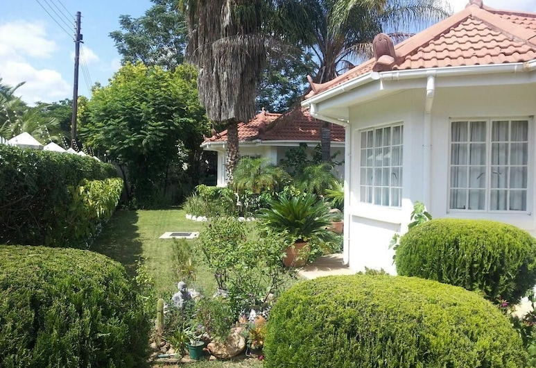 Hana Guest House, Gaborone, Jardin