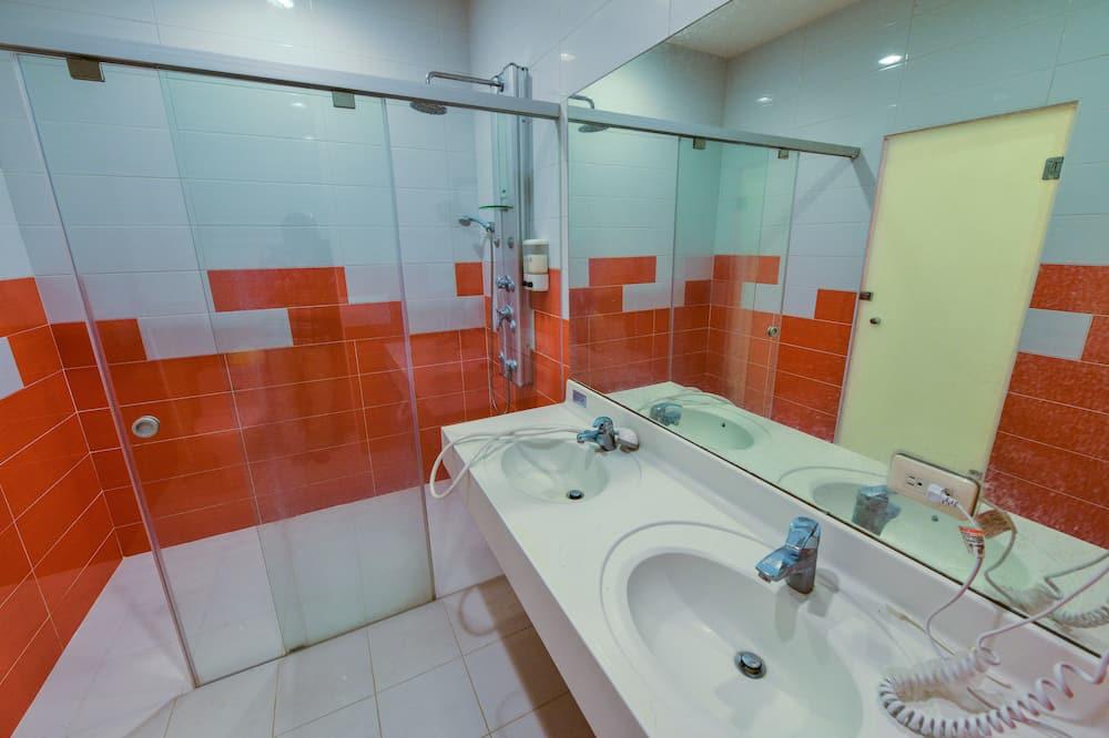 Family Room - Bilik mandi