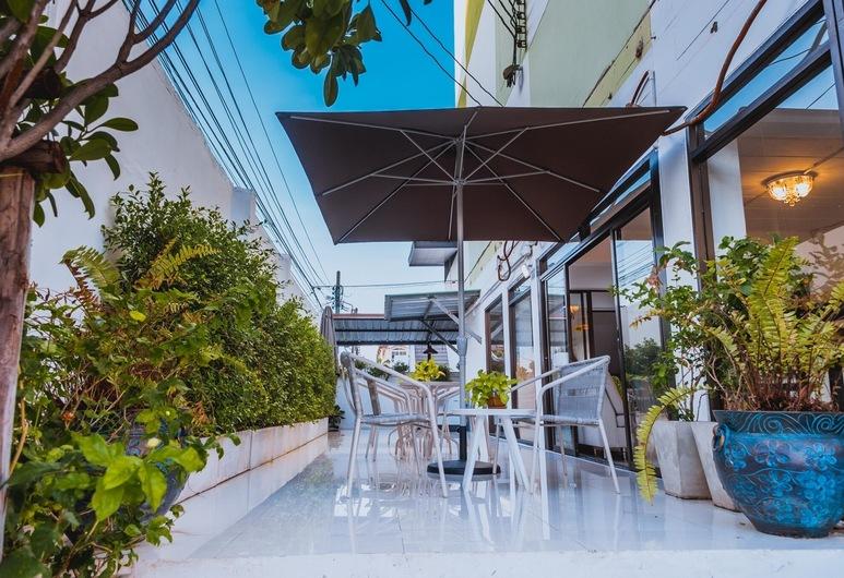 Malizon Hotel & Residences, Nonthaburi, Sitteområde i lobbyen