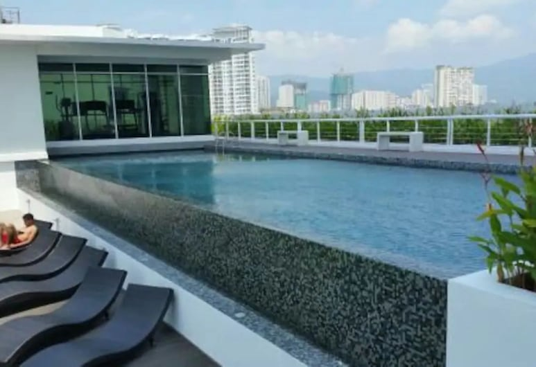 Summertime Maritime Suites, George Town, Outdoor Pool